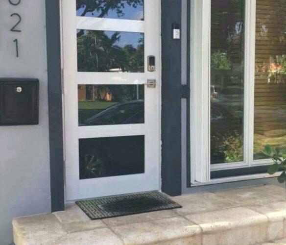 Contempo Single Door 1